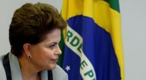 DILMA5 - BSB - DILMA EMBAIXADORES - 09/02/2011 - NACIONAL - A presidente Dilma Rousseff durante entrega de credenciais para novos embaixadores no Palacio do Planalto em Brasilia. FOTO: CELSO JUNIOR/AE
