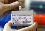 Los casos de microcefalia en Colombia fueron cuatro veces más este año que el anterior, un incremento que coincide con el extendido brote del virus de Zika en el país, reveló el viernes un informe publicado por autoridades sanitarias estadounidenses. En la imagen, un kit de prueba para el ZIka en Duisburgo, Alemania, el 2 de febrero de 2016. REUTERS/Ina Fassbender