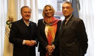 Sr. José Bereciartúa, Administrador provisorio de OSDEPYM, Sra. Ofelia García, Presidente de SOCDUS S.A. y Lic. Ricardo Mayorca, Gerente de Contrataciones de OSDEPYM