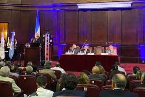 Alberto anuncia a Gines como ministro
