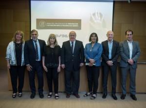 Fabiana Túñez y Ada Rico junto a Juan Carlos Palacios y autoridades de OSDE